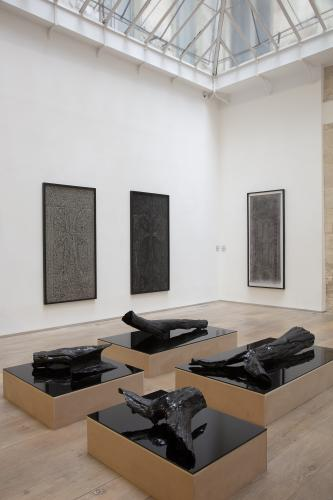 Pascal Convert<br /> Three trees, Exhibition view, 2019<br /> © galerie Eric Dupont, Paris